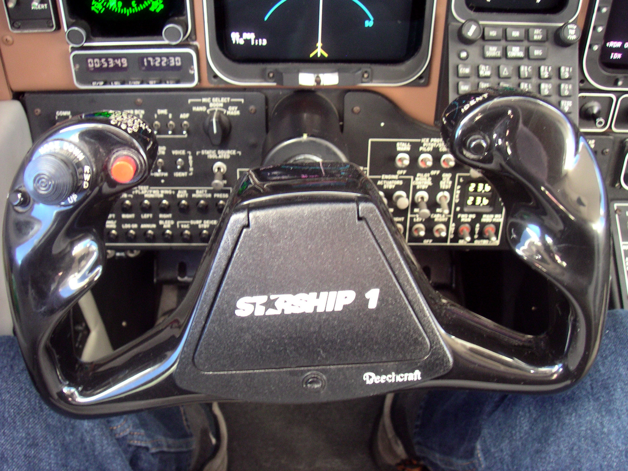 Beechcraft Starship Flight Deck Details